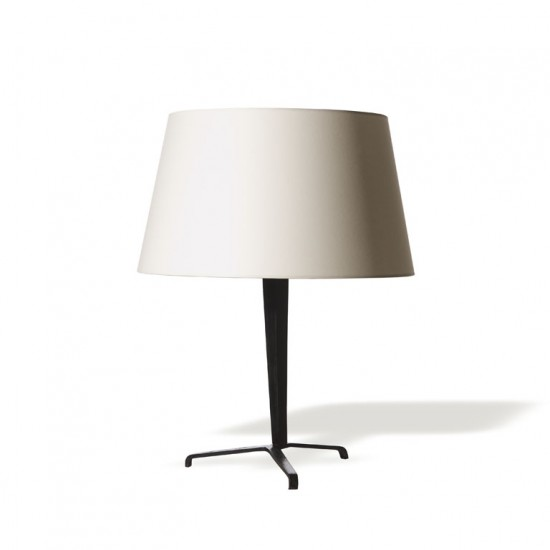 Frank JM pair table lamps in iron on tripod base