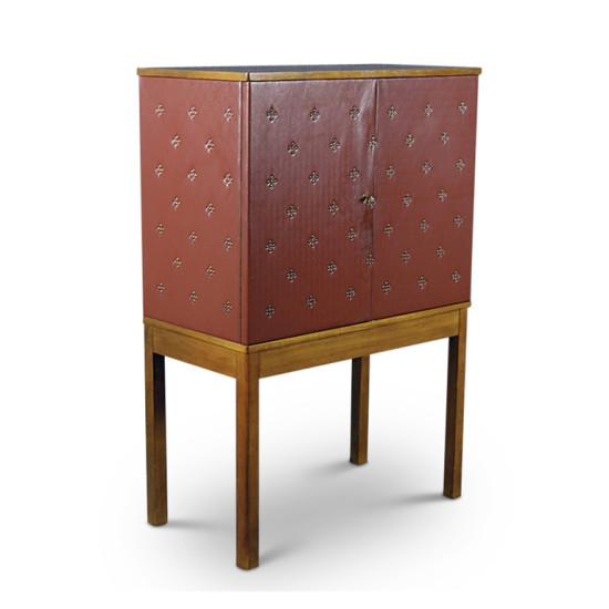 Schulz_O_cabinet_leather_upper