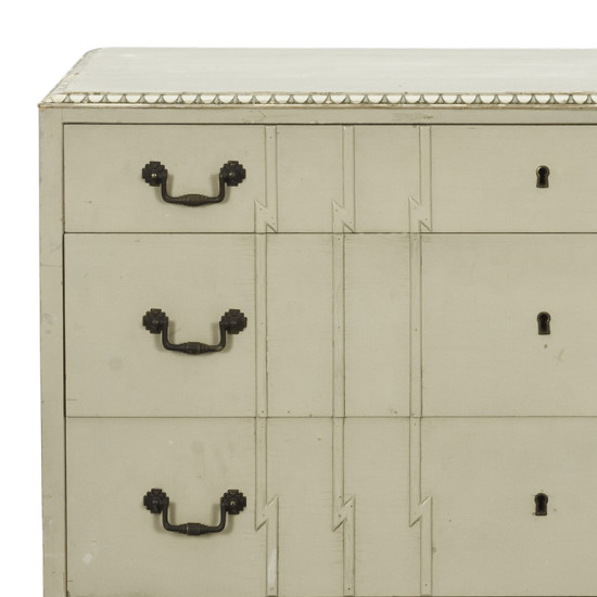 Swedish_chest_of_drawers_2